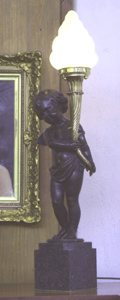 Bronze Cherub Lamp