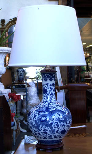 Chinese Porcelain Lamp - Blue&white Dragons